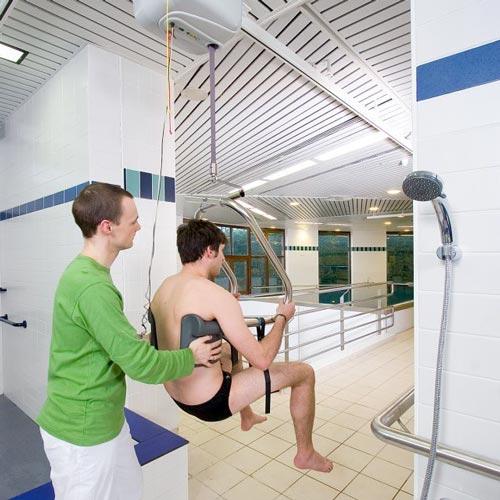 Sollevatore per disabili a soffitto