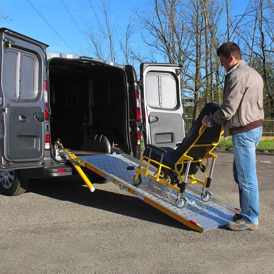 rampa di carico disabili per veicoli